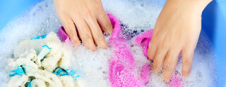 Agua dura gasta más detergente